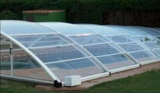 Installation de motorisation pour abri de piscine bas Akia SWING