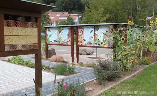 Wildbienen Schild, Wilgartswieser Wildbiene Päddel Schild, Infotafel Bienen mit Wildbienenhaus