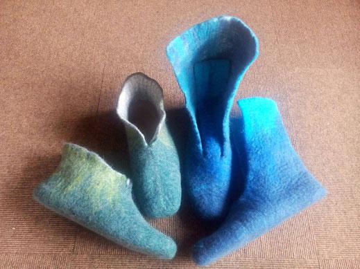 Vilten schoenen; vilten sloffen; creatief bezig zijn; hoedje; buiten; tuin; blauwe laarsjes; laarzen; eelste
