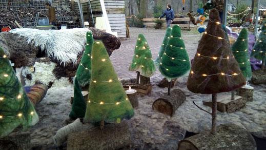 Christmas; xmas; Christmas tree; lights; felt; eelste; tree; green; brown