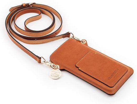 iPhone Umhängetasche aus feinstem Leder in Braun