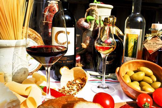 Francesco Da Nazaret, Italienische Spezialitäten Herisau, Fleischwaren, Grappa, Pasta, Käsevariationen, Weine, Geschenkkörbe, Olivenöle, Catering und vieles mehr.