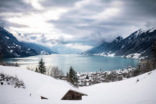 Brienzersee und Winter in der Schweiz