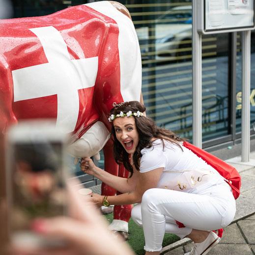 Fotograf und Kameramann für Junggesellenfeier in Frankfurt und Umgebung für geile und lustige Fotos und Videos