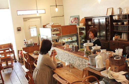 「カフェ雑貨ゆらら」写真5_店内イメージ