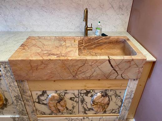 cuisine avec évier en marbre
