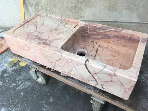 évier en marbre rose du Languedoc - pierre naturelle