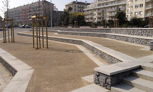 Mobiliers urbains - murets et bancs en gabions - Saint-Nazaire