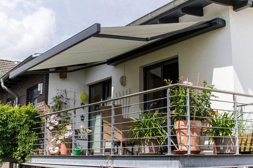 markilux 970 - Gelenkarmmarkise für Terrasse und Balkon