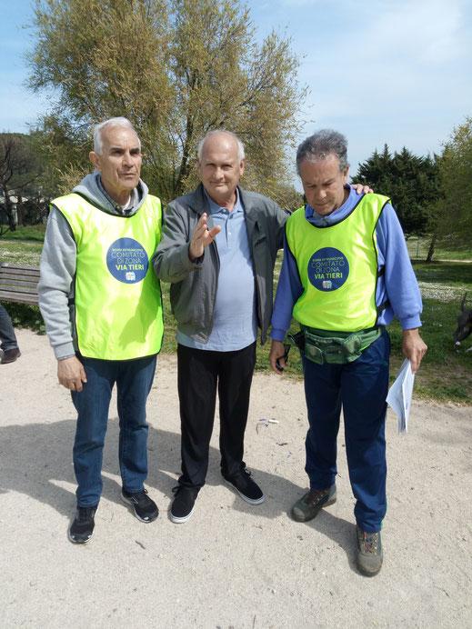 Il Presidente del Comitato di Zona Via Vincenzo Tieri tra Giovanni Milisenna (a sinistra) e Mauro Merafino (a destra)