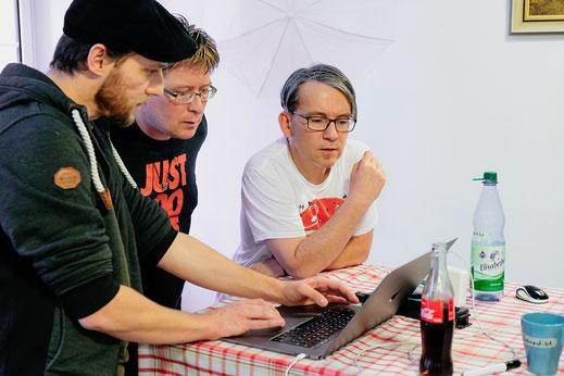 Unsere Entwickler bei der Projektbesprechung