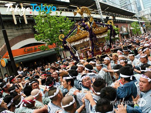 烏森神社例大祭, 新橋祭り, 新橋駅前, 本社大神輿, SL広場, 新橋, からすもり,