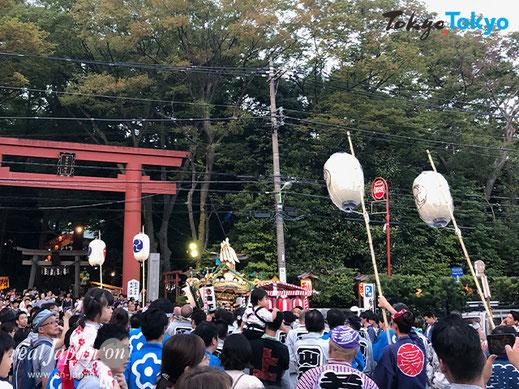 世田谷八幡神社例大祭,宮の坂,豪徳寺