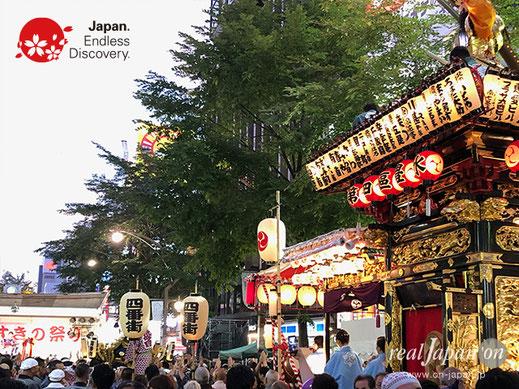「すすきの祭り」(北海道札幌市)は、新型コロナウイルス感染症拡大防止のために、本年度の開催が中止となりました。