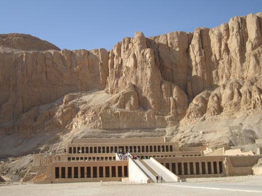 Hatshepsut; Deir el Bahari; Tutmosis III; faraón; mujer faraón; reina; cursos; Barcelona;