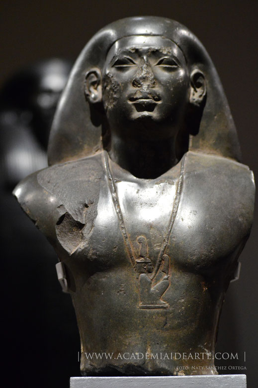 Dinastía XXVI; Sais; Egipto; cursos; egiptología; escultura; Museo Egipcio de Turín;