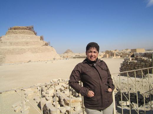 Naty Sánchez Ortega; Egipto; pirámide escalonada;