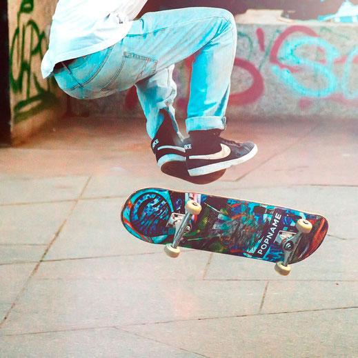 Jugendlicher Skatboardfahrer