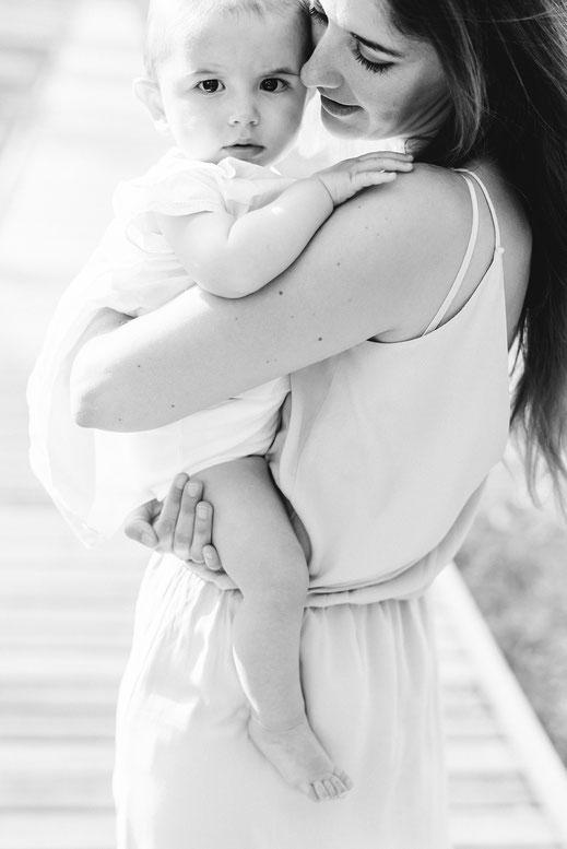 séance photo famille / muriel mees / photographe toulon / photographe solliès-pont / séance photo enfant / photographe var / famille / bébé / extérieur / La Farlède / Partegal