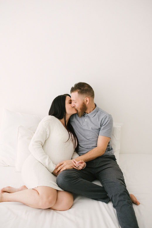 muriel mees photographie - photographe grossesse - femme enceinte - naissance - nouveau-né - bébé - bebe - enfant - famille - var - solliès-pont