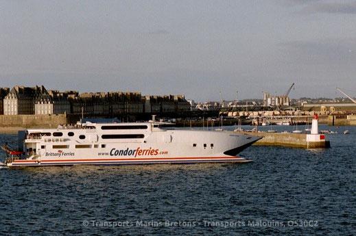 Le HSC Condor Vitesse de Condor Vitesse, exploité sur un service commun Cherbourg Poole entre 2000 et 2012 avec Brittany Ferries, sous le nom commercial HSC Normandie Vitesse.