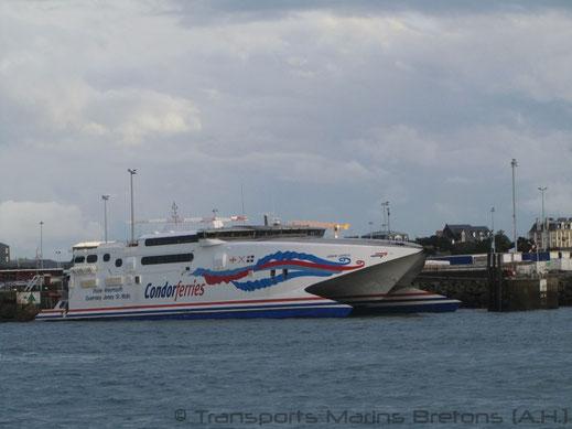 HSC Condor Express dans le port de Saint-Malo en novembre 2014.