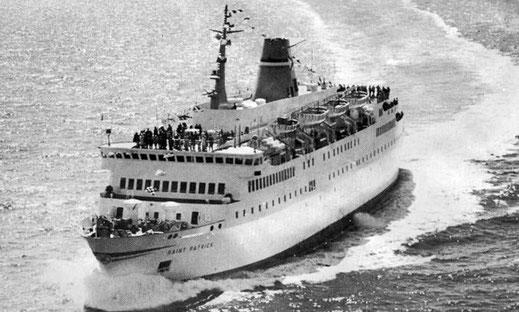 Le M/V St-Patrick au milieu de la mer d'Irlande. Le navire fut commandé en 1973 pour créer une liaison maritime entre Le Havre et Rosslare en Irlande.