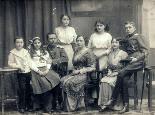 Семейный портрет Воронцовых-Вельяминовых