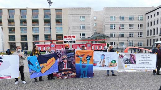 MAHNWACHE: BEENDET DEN KRIEG IM JEMEN 11. Juli 2020 - Berlin, Jemeniten vor der Botschaft von Saudi Arabien