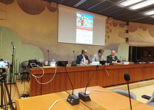 12.03.2019 - Vereinte Nationen in Genf: li. Abdullatif Al-Washali - INSAN, Mitte Justizminister (Nordjemen) Abdul Rahman al-Mukhtar, re. Mathias Tretschog - Stop the WAR in Yemen über die Menschenrechtslage von Kindern im Jemen