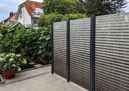 Glaszaun - Sichtschutz aus Glas mit Digitaldruck für Garten und Terrasse