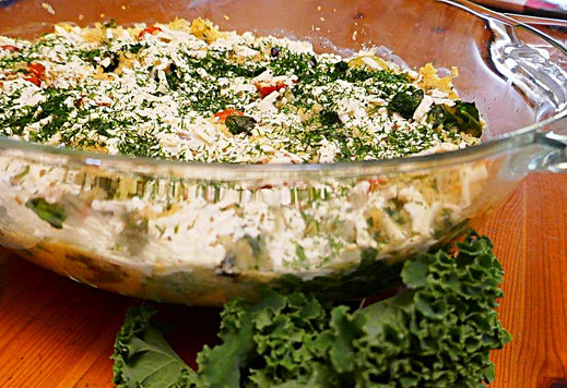 Basisch vegetarisch oder veganer Auflauf mit Grünkohl und Hirse
