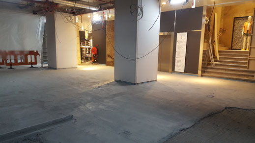 Betonvloer High-end afwerking, Bijenkorf Amsterdam