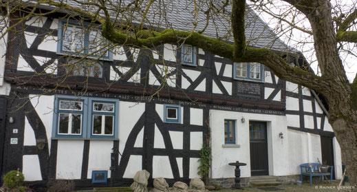 Adam-und-Eva-Haus, Brandscheid