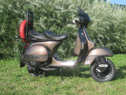 80s Scooter ein Vespa Roller der besonderen Art, mit Anbauteilen von Utah, Stilmotor, FA Felgen Krüger Sitzbank, SIP Scooterparts und Scooter Center Parts