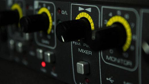 Musikproduktion bei den Profis von komponisten-film.de - Kompositionen, Arrangements, Mix und Mastering