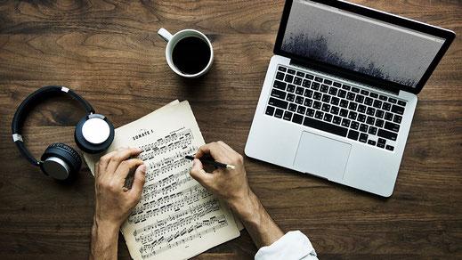 Komponieren mit dem Computer - Arrangements mit VST-Instrumenten - Musik für Film - Musik für Werbung - Trailer - Jingles - Teaser - TV - Internet - Filmkomponist finden