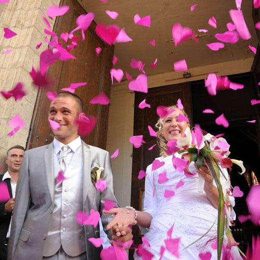 Les mariés et la cérémonie à l'église
