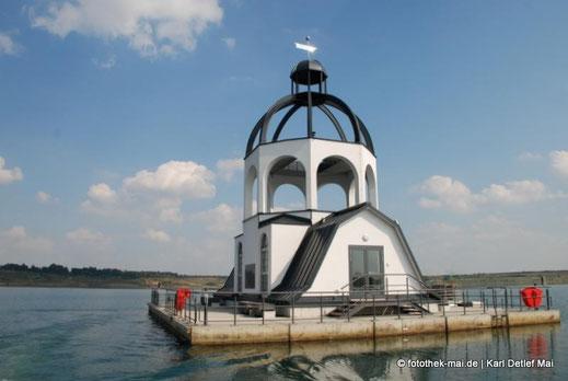 Das schwimmende Kunstwerk Vineta auf dem Störmthaler See
