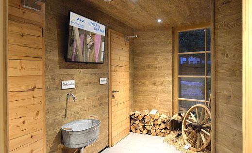 Informationsbildschirm im Waschhaus Kaiser Camping
