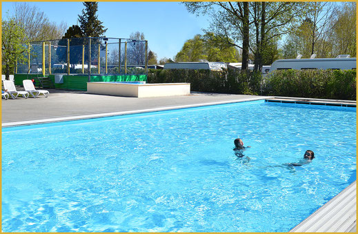 Schwimmbad im KAISER CAMPING in Bad Feilnbach