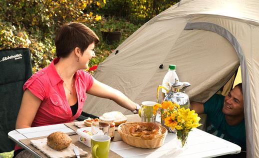 Zeltplatz, Frühstück im Campingplatz Kaiser Camping in Bad Feilnbach
