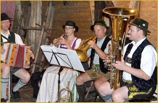 Urlaub und bayerische Tradition im Campingplatz Kaiser Camping