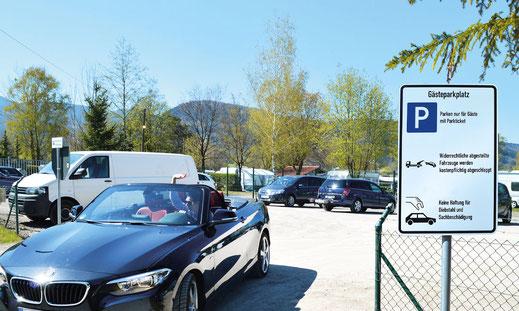 Besucher Parkplatz am Kaiser Camping in Bad Feilnbach