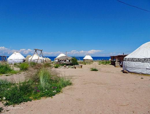 Das schön gelegene Jurtencamp