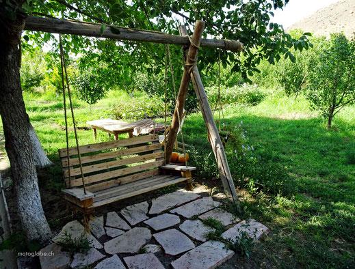 Relaxen im Garten des Guesthauses