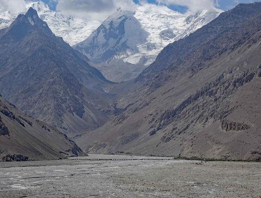 Gewaltig, die Berge auf der afghanischen Seite