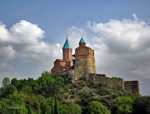 Zufällig daran vorbeigefahren. Die Burg und Klosteranlage Gremi