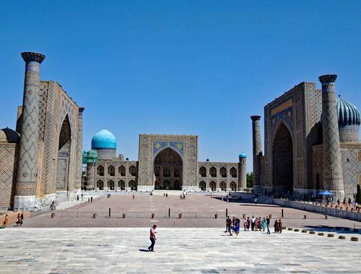 Der prächtige Registan-Platz in Samarkand