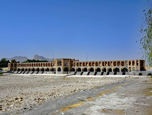 Die Si-o-se Pol Brücke in Esfahan